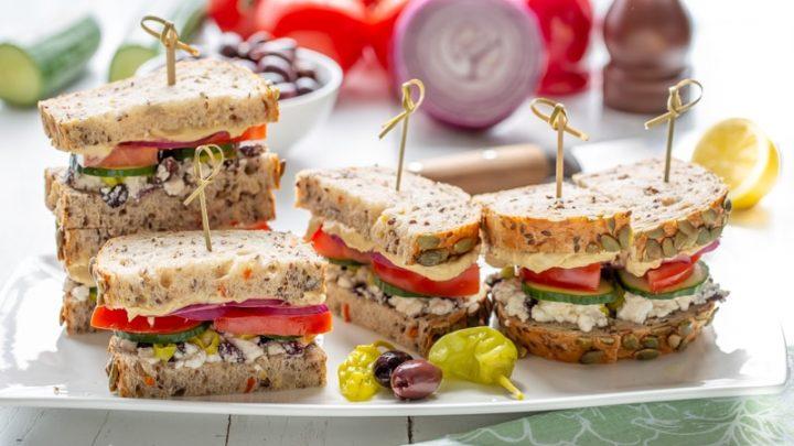 Sandwiches Hummus